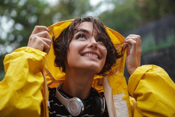 Musim Hujan Telah Tiba, Cek 10 Rekomendasi Jas Hujan untuk Pemotor supaya Lebih Aman Berkendara (2020)