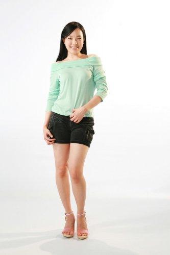Tips Tampil Seksi dan Chic dengan Pilihan Celana Pendek Korea Beserta 10+ Rekomendasi Produknya! (2018)