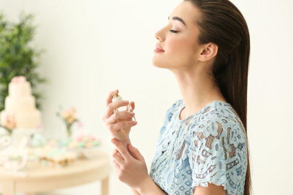11 Parfum Klasik Wanita Terfavorit Sepanjang Masa