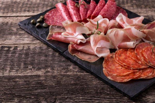 Sebelum Daging Membusuk, Lakukan 4 Rekomendasi Cara Tepat ini Untuk Mengawetkan Daging