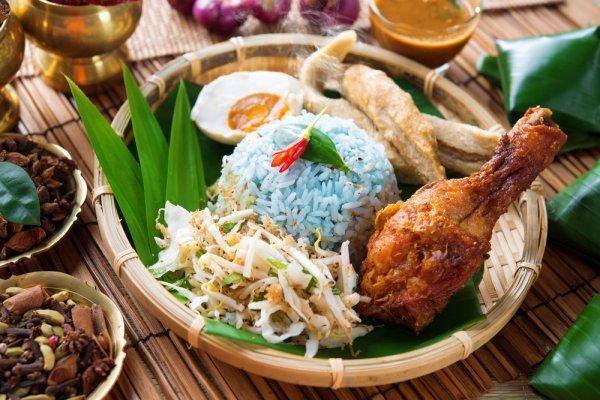 10 Makanan Khas Malaysia yang Pas dan Enak untuk Dijadikan Oleh-oleh