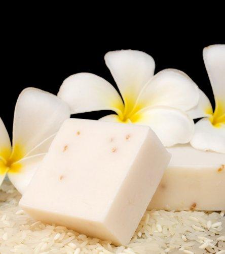 Ingin Kulit Sehat dan Cerah Berseri? Yuk, Pakai 10+ Sabun Beras Berbahan Alami Berikut Ini