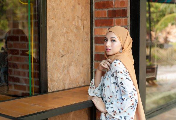 Inilah Gaya Busana Muslim 5 Selebgram Wanita untuk Remaja 2019