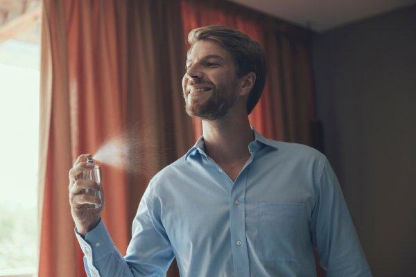 Pria Wajib Jaga Aroma Tubuh dengan 10 Rekomendasi Parfum Pria 2020 Ini!