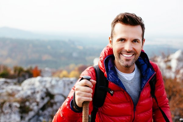 Kamu Senang Beraktivitas di Alam Bebas? 10 Rekomendasi Jaket Jack Wolfskin Pria Ini Siap Melindungimu Saat Berkegiatan Outdoor!