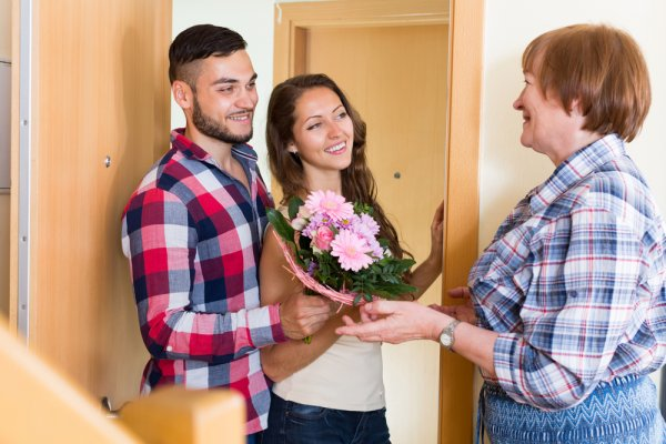 thoughtful gifts for boyfriends parents
