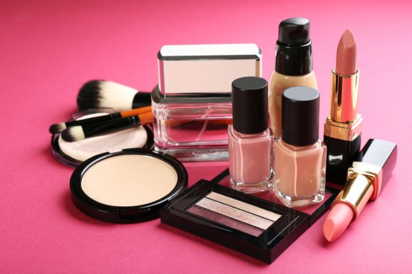 Kenalan Yuk, Dengan 10 Produk Kosmetik dari Sophie Paris!