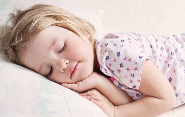 10 Rekomendasi Baju Tidur Anak yang Berkualitas dan Bikin Tidur Anak Makin Nyenyak