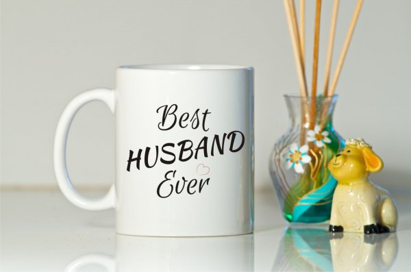 Stumped Trying to Find Your Husband a Present? Find Inspiration in These 10 Quirky and Pretty Cool Birthday Gift Ideas for Husbands (2020)