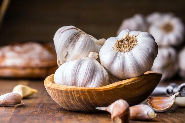 Manfaat Manisan Bawang Putih dan 4 Resepnya yang Mudah Dibuat