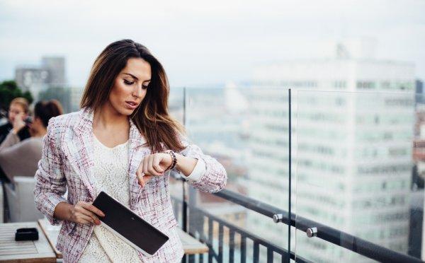 Tampil Cantik dan Elegan dengan 10 Brand Jam Tangan Wanita Populer