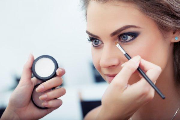 Mata Tampak Cantik dan Menawan dengan 10+ Rekomendasi Produk Riasan Mata yang Oke (2019)