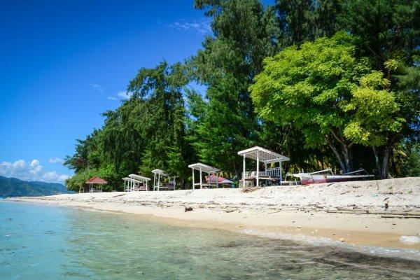 Nikmati Sensasi Laut dan Keindahan Alam di Lombok dengan Rekomendasi Destinasi Wisata dan 10+ Penginapan Murah! (2018)
