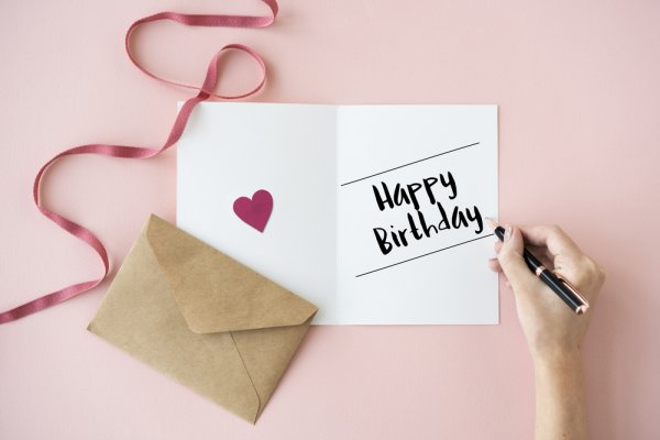 The Sweetest And Most Romantic Birthday Message For Girlfriend 10 Gift Ideas To Rock Her 2018
