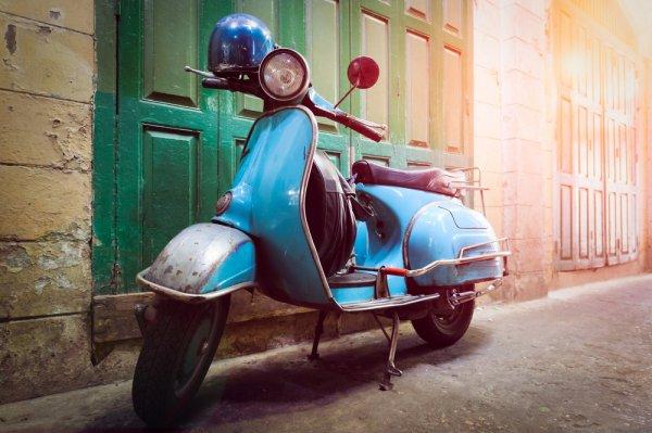 Mau Tampil Beda di Jalanan? 9 Rekomendasi Motor Unik dan Antik Ini Cukup Tangguh dan Keren Dikendarai Lho!