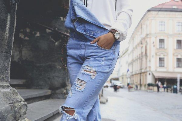 10 Celana Overall Keren untuk Membuat Penampilanmu Makin Menawan
