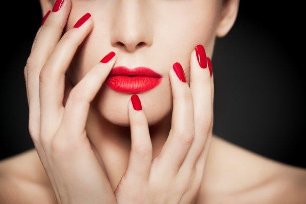 Glamor dan Seksi dengan 10 Rekomendasi Lipstik Matte yang Mampu Sempurnakan Bibir Indahmu