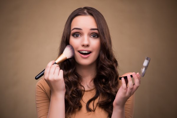 Looking for the best MAC foundation that suits your skin type?  10 MAC Foundations to Give Your Skin a Beautiful Dewy-Matte Complexion