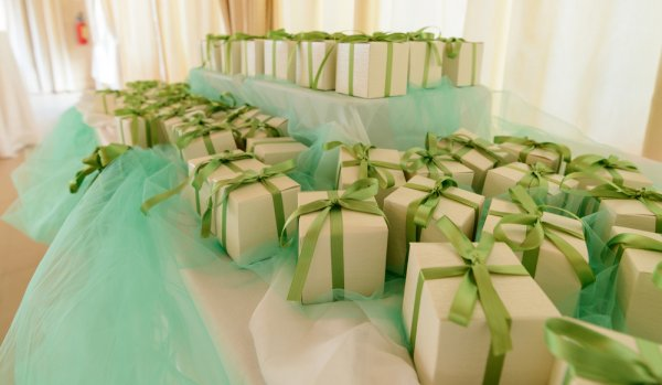 Never Let Your Guests Go Empty-Handed, Especially if it's After an Auspicious Occasion: Ideas for Return Gifts You Can Use as Party Favors which Your Guests Can Pick from the Table (2020)