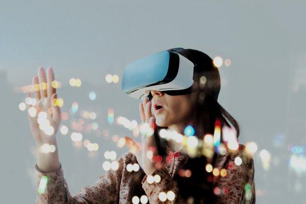 Tak Hanya untuk Game, Ayo Kenali Fungsi Lain Alat VR dan 9 Rekomendasinya (2019)