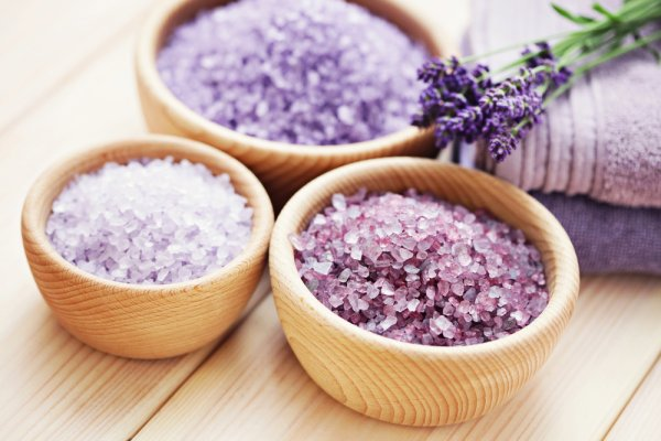 Ingin Tubuhmu Rileks? Cobalah 10 Rekomendasi Bath Salt saat Mandi yang Dapat Meremajakan Kulitmu (2019)