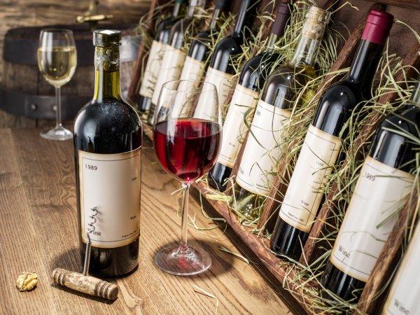 Mengenal Berbagai Tipe, Manfaat Serta Tips Mengenali Brand Minuman Wine Lokal dan Internasional yang Nikmat