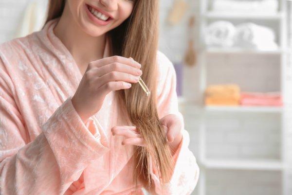 Atasi Masalah Rambut Rontok dengan 11 Rekomendasi Vitamin Rambut Penuh Nutrisi