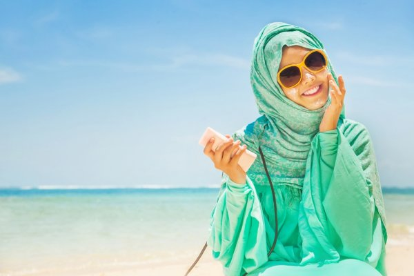Jilbab Sifon, Tren Jilbab Terbaru dan 10 Rekomendasinya untuk Anda