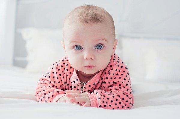 Ibu-ibu Muda Wajib Lirik 10 Jumpsuit Berkualitas yang Bikin Bayi Nyaman Tanpa Merasa Gerah