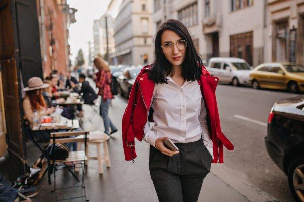 Jangan Sampai Salah Kostum! Inilah 9 Rekomendasi Celana Kantor Wanita yang Fashionable dan Tips Padu Padannya (2019)