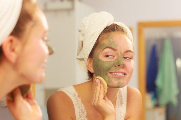 Apa Sih Masker Spirulina? Kamu Wajib Tahu 10 Manfaatnya dan Cara Membedakan Produk Masker Spirulina Asli dengan yang Palsu