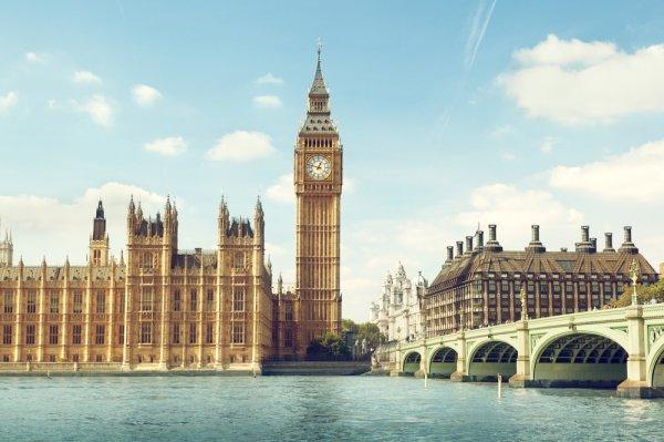 Berencana Liburan ke London? Ini Dia 10 Tempat yang Tak Boleh Terlewatkan