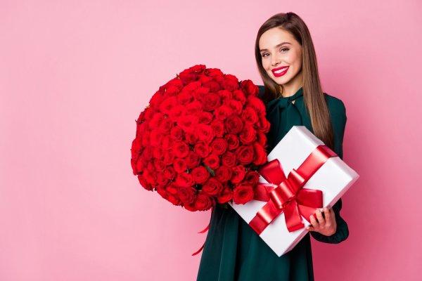 Berikan Hadiah yang Spesial dengan 10 Ide Hadiah Ulang Tahun untuk Wanita 20 Tahun (2020)