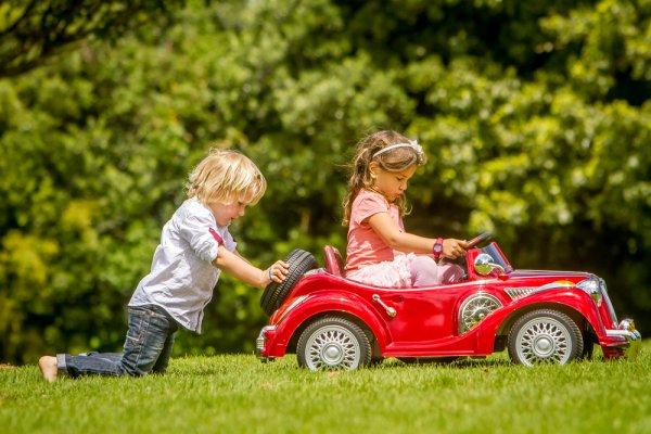 Hibur Anak Dengan 10 Rekomendasi Mainan Anak Yang Bisa Dinaiki 2018