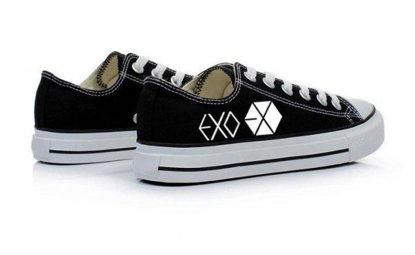 Ingin Tampil Keren Seperti Artis Korea  Jangan Lewatkan 10+ Sepatu Ala  K-Pop Berikut Ini 64f1645233
