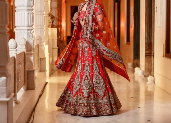 10 Lehengas for the Bride-To-Be and a Guide to Buying the Perfect Lehenga For Your Engagement (2019)