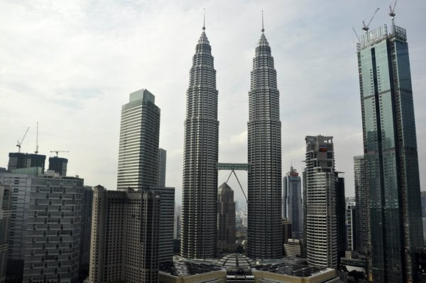 Ini Dia 10 Rekomendasi Barang Khas Malaysia yang Bisa Kamu Bawa Pulang