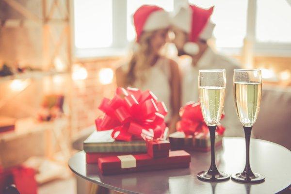 10 Ide Kado Natal untuk Suami dan Tips Cara Memilih Hadiah yang Tepat