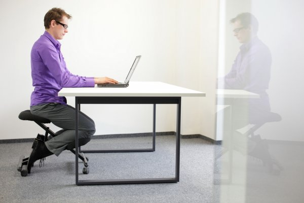 An Ergonomic Kneeling Chair is a Great Way to Boost Your Productivity and Stay Healthy: Discover the Numerous Benefits of an Ergonomic Kneeling Chair and the Top10 Kneeling Chairs Available in India (2021)