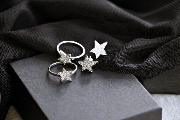 10+ Koleksi Perhiasan Cantik yang Bisa Jadi Persembahan Kado Indah untuk Pasangan Tercinta