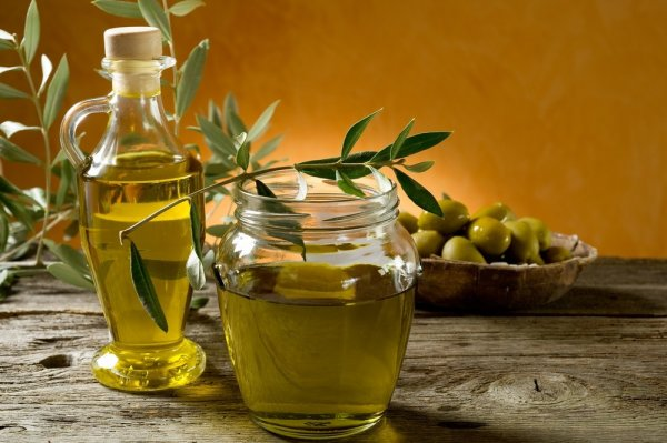 Have You Ever Thought of Using Olive Oil for Something Other than Cooking or Eating(2020)? 10 Olive Oils for Smooth and Radiant Skin