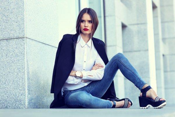 7+ Tren Fashion Celana Jeans Wanita Terbaru 2018