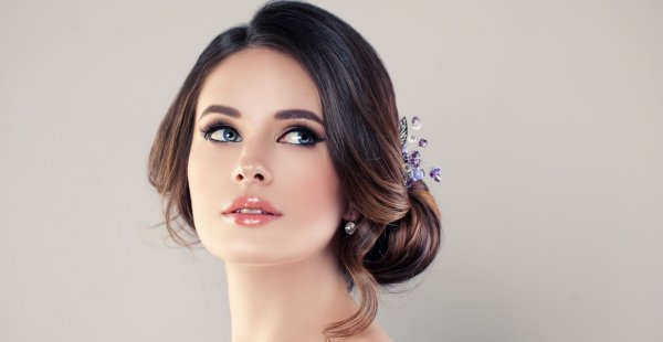 Tampil Cantik dan Effortless dengan 5 Tutorial Makeup Natural 2018
