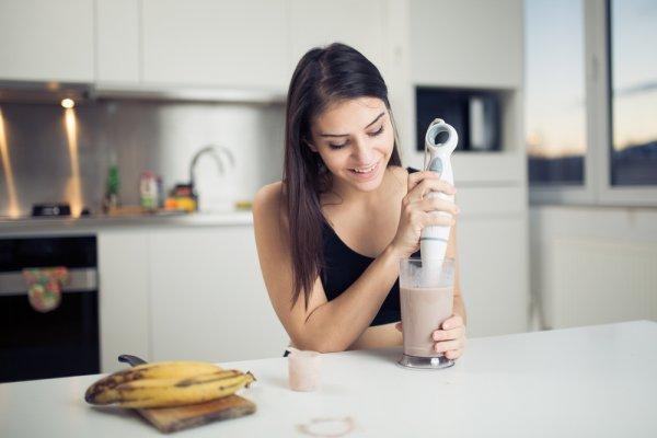 Tak Perlu Mahal, Ini Dia 10 Rekomendasi Hand Blender Murah untuk Aneka Sajian!