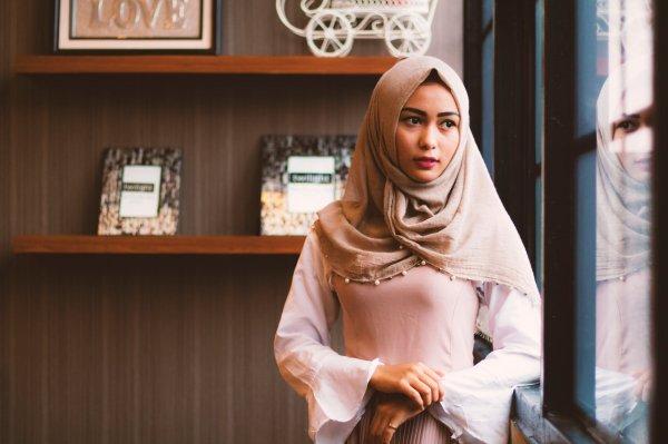 4 Trend Fashion Hijab 2019 Untuk Tampil Fashionable Dan 10 Rekomendasi Hijab Cantik Kekinian
