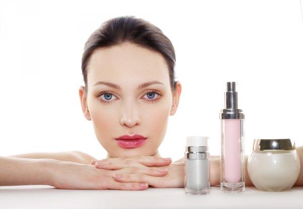 Tips Waspada Terhadap Kosmetik Skin Care Berbahaya dan Rekomendasi 10 Produk yang Aman