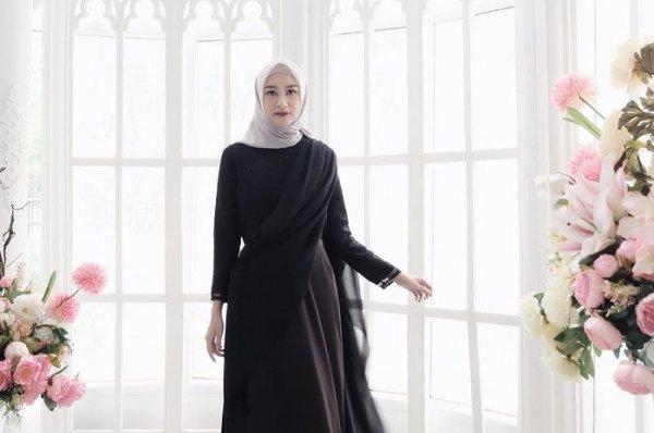 Tampil Up to Date dengan 10 Model Gamis Kekinian untuk Para Muslimah di Tahun 2020