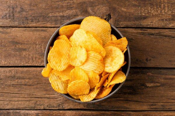 Jadikan Hari Lebih Menyenangkan dengan 9 Rekomendasi Camilan Chips Favorit 2021 Ini!