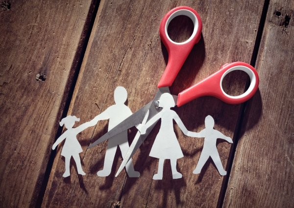 How to Raise a Child After Divorce? Co-Parenting Tips for 2021 to Keep Your Child the Priority After a Divorce