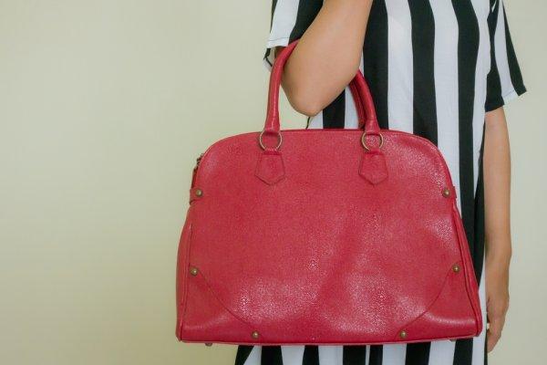 Tips Membedakan Dompet Gucci yang Asli dan Palsu Beserta 10 Rekomendasi  Produk yang Pas untuk Gaya ... e56ab1431d